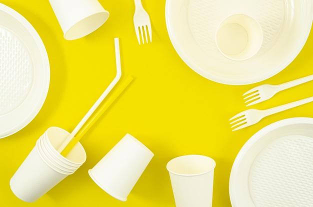 various-white-plastic-disposable-tableware_23-2148309768
